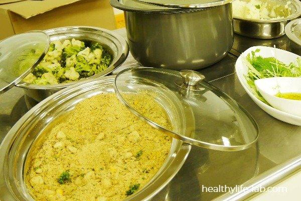 キャッサバ粉を使った料理の写真 ビュッフェスタイル