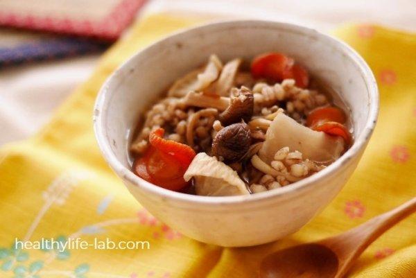 干し野菜のもち麦スープの写真